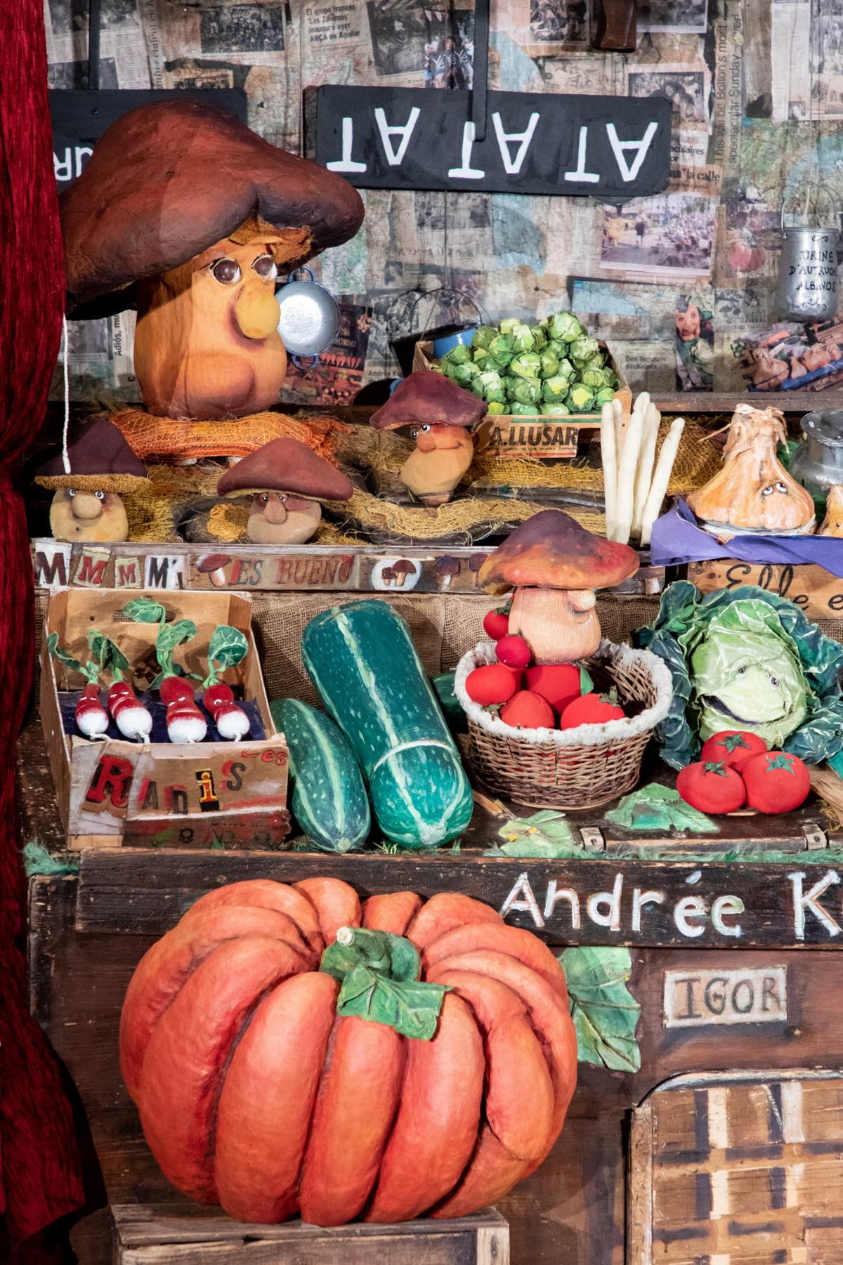 """Cie les Zanimos: """"Andrée Kupp, Dresseuse et Montreuse de légumes"""" (France)"""